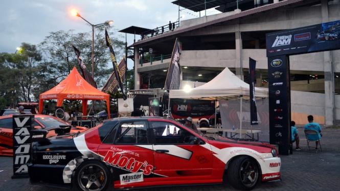 Salah satu mobil modifikasi di acara Indonesia Automodified (IAM) MB Tech 2019.