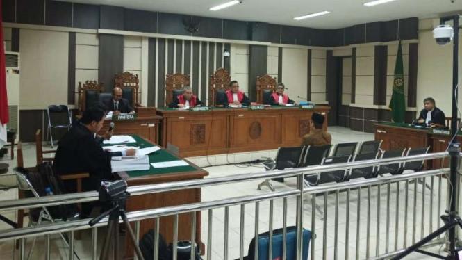 Sidang tuntutan Wakil Ketua DPR nonaktif Taufik Kurniawan di Pengadilan Tipikor Semarang