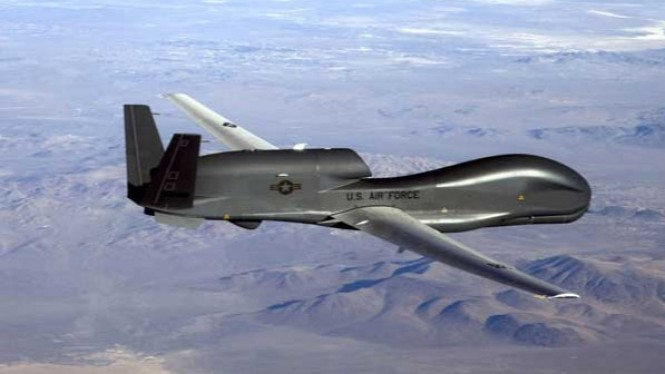 Pesawat Pengintai RQ-4 Global Hawk