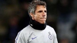 Asisten manajer Chelsea, Gianfranco Zola