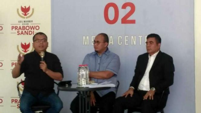 Tim kuasa hukum Prabowo-Sandiaga Uno.