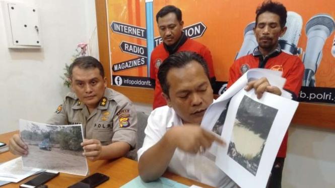 Polisi tangkap dua penambang ilegal di Lombok.
