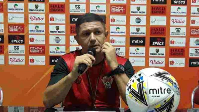 Pelatih Kalteng Putra, Mario Gomes de Olivera