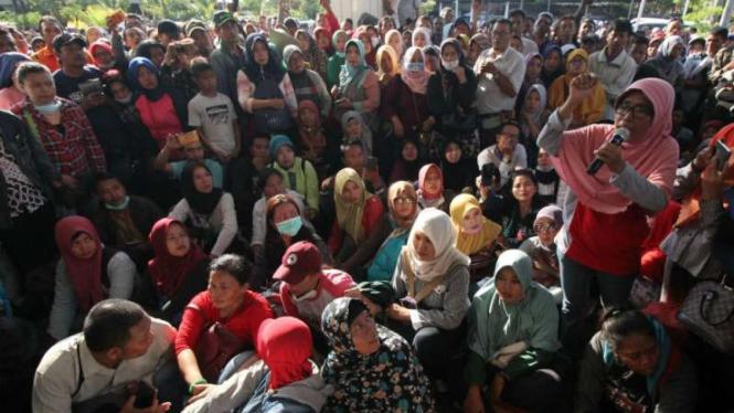 Masyarakat di Surabaya protes PPDB berdasarkan zonasi.