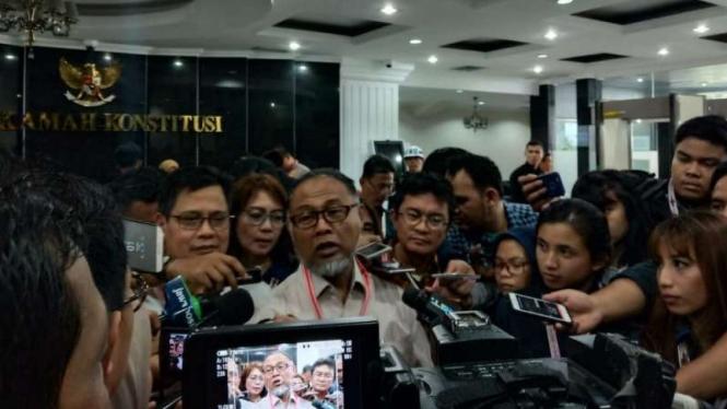 Ketua tim hukum Prabowo-Sandi, Bambang Widjojanto di MK, Kamis, 27 Juni 2019.