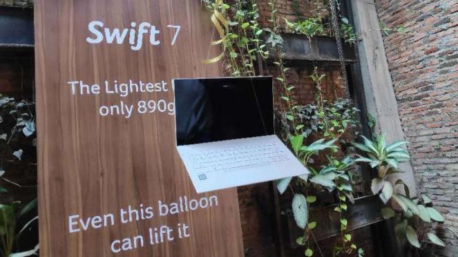 Laptop Acer Swift 7.