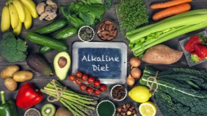 Ilustrasi makanan alkali.