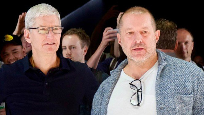 CEO Apple, Tim Cook (kiri) dan desainer iPhone, Jony Ive