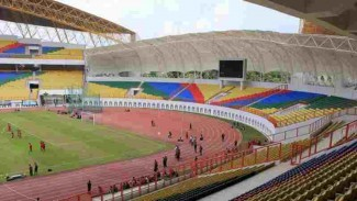 https://thumb.viva.co.id/media/frontend/thumbs3/2019/07/03/5d1c6d317f442-stadion-wibawa-mukti-milik-kabupaten-bekasi_325_183.jpg