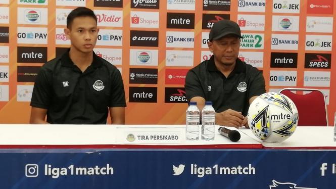 Pelatih Tira-Persikabo, Rahmad Darmawan dan Andy Setyo