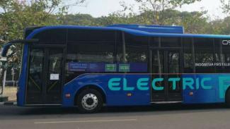 Bus listrik.