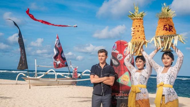 Tom Holland di Bali