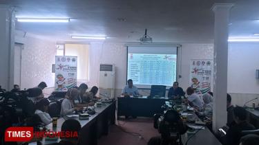 https://thumb.viva.co.id/media/frontend/thumbs3/2019/07/05/5d1f7c3ae4350-target-tinggi-kontingen-indonesia-di-asg-2019_375_211.jpg