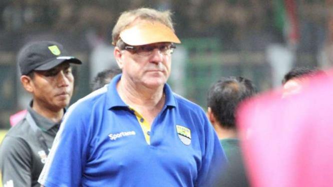Pelatih Persib Bandung, Robert Rene Alberts.