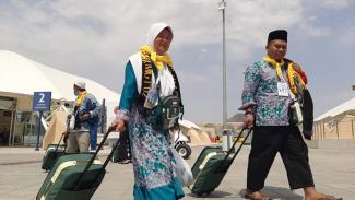 Kloter pertama Jemaah haji asal Surabaya tiba di Bandara AMAA Madinah