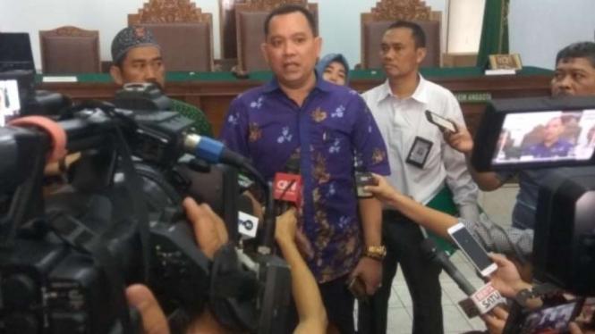 Kuasa Hukum Kivlan Zen, Tonin Tachta Singarimbun.