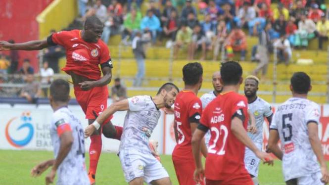 Ilustrasi pertandingan Liga 1 2019, Semen Padang vs Tira Persikabo