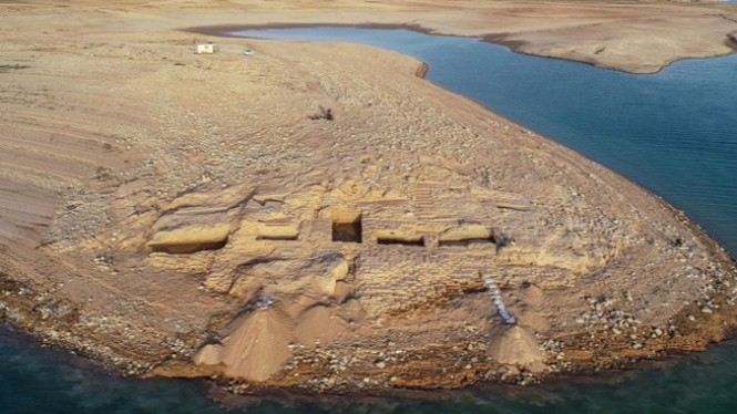 Reruntuhan Istana Kuno.