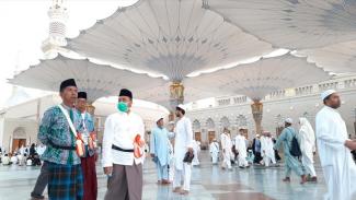 Jemaah haji Indonesia ibadah Arbain di Masjid Nabawi pada 2019