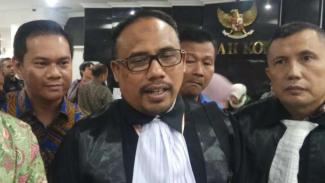 Kuasa Hukum PAN Slamet Arifin di Gedung MK, Jakarta.