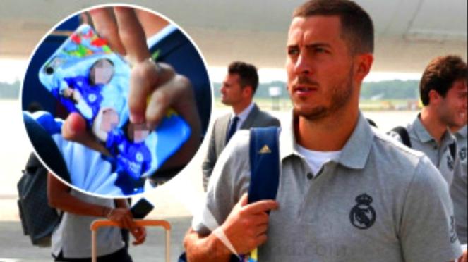 Penampakan casing handphone Eden Hazard masih bermotif Chelsea