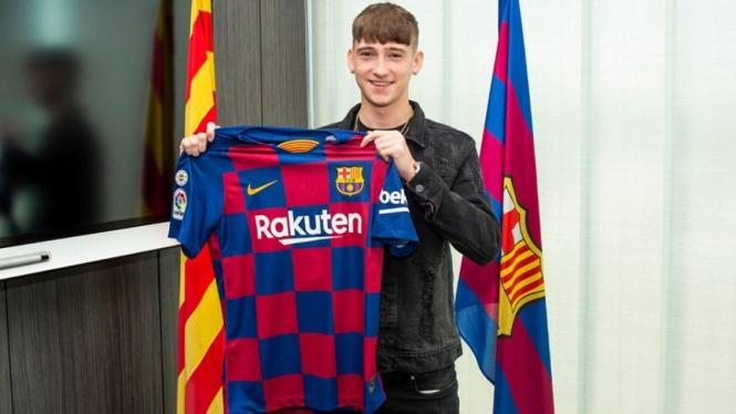 Barcelona memperkenalkan Louie Barry sebagai rekrutan terbaru