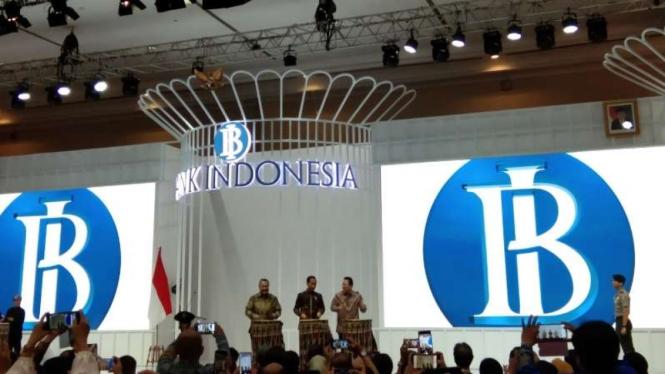 Jokowi resmikan pameran Karya Kreatif Indonesia di JCC, Jumat, 12 Juli 2019.