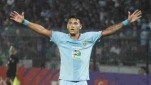 Striker Persela, Alex dos Santos Goncalves.