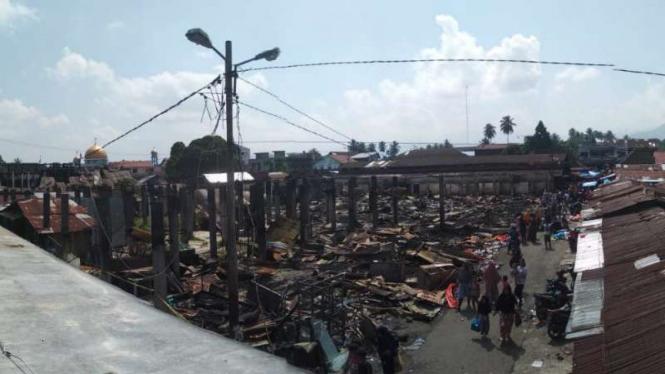 Pasar Lubuk Alung.