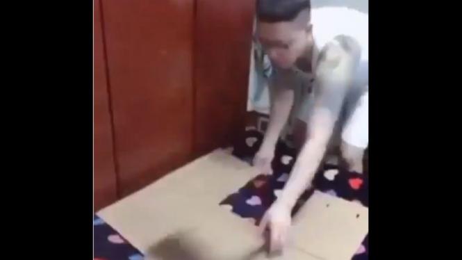 Melipat baju