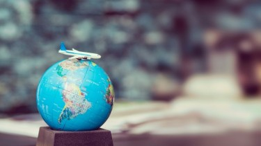 https://thumb.viva.co.id/media/frontend/thumbs3/2019/07/12/5d28565cc9ed4-25-negara-dengan-orang-terkaya-paling-banyak-di-muka-bumi_375_211.jpg