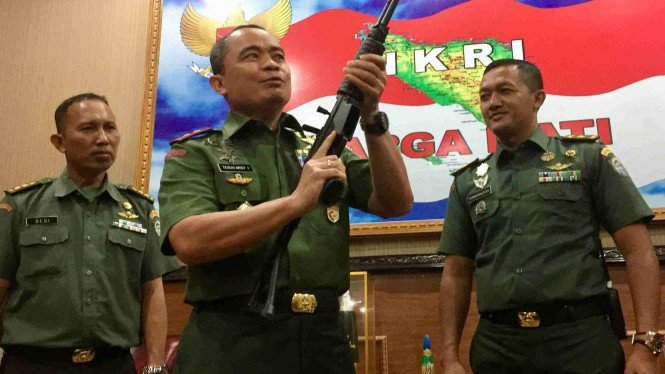 Pangdam Iskandar Muda periksa kondisi senjata yang diserahkan oleh masyarakat
