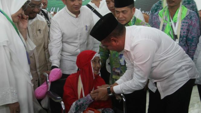 Gubernur Sumut Edy Rahmayadi saat pelepasan Calon Jemaah Haji Embarkasi Medan