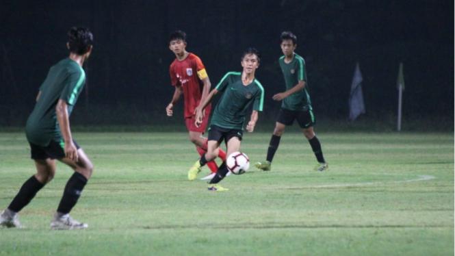 Suasana latihan tim nasional Indonesia U-16