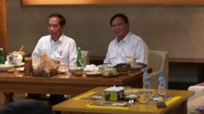 Jokowi dan Prabowo makan siang di FX Sudirman
