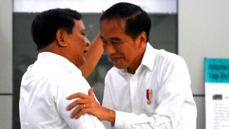 Pertemuan Jokowi dan Prabowo di Stasiun MRT Lebak Bulus Jakarta.