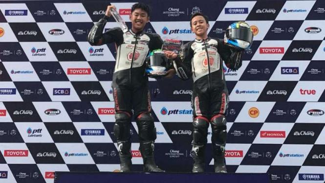 Pembalap Indonesia, Azryan Dheyo Wahyumaniadi dan Herlian Dandi.