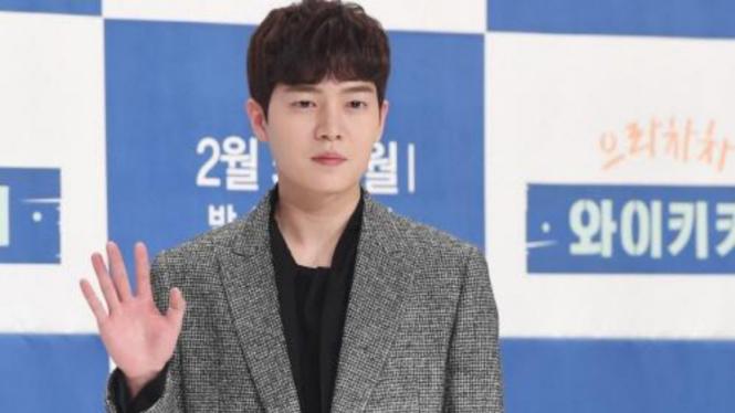 Son Seung Won.