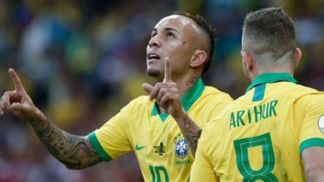 Pemain Timnas Brasil, Everton Soares.