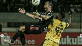 Duel Barito Putera vs Bali United.
