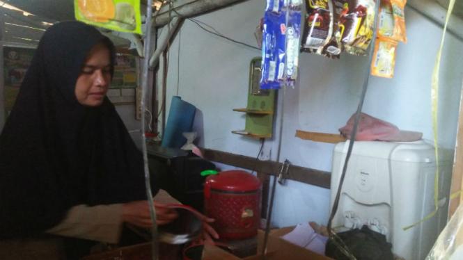 Guru SD di Banten tinggal di toilet sekolah