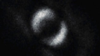 Foto Keterikatan Kuantum Dua Partikel.