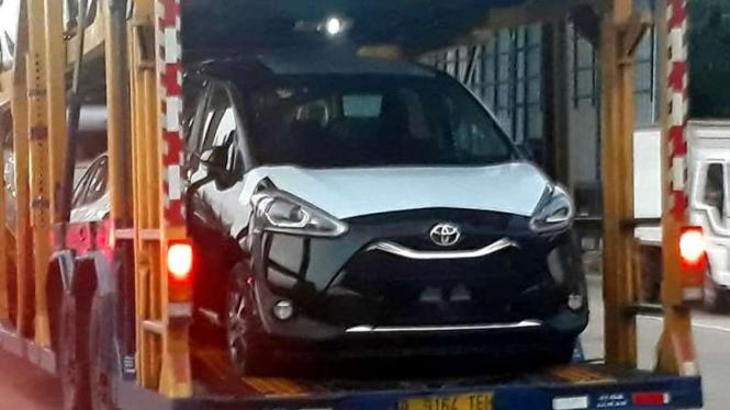 Bocoran Toyota Sienta baru