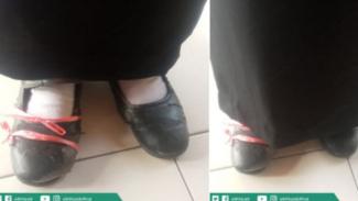 Pesertan seleksi gunakan sepatu usang.