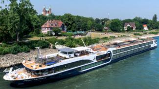 https://thumb.viva.co.id/media/frontend/thumbs3/2019/07/16/5d2da82490378-river-cruises-di-sungai-eropa_325_183.jpg