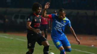 Pertandingan Liga 1 2019 antara Persib Bandung kontra Kalteng Putra