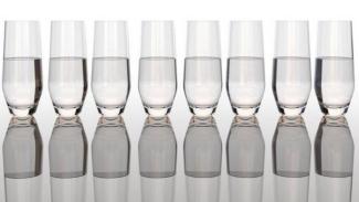 8 gelas air per hari?