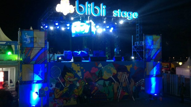 Panggung musik di area venue Blibli Indonesia Open 2019