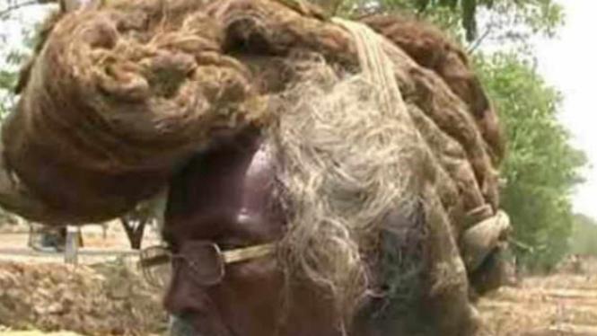 Pria yang tidak pernah mencuci rambutnya.