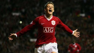 Ole Gunnar Solskjaer saat masih bermain bersama Manchester United